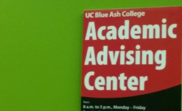 A sign for the Academic Advising Center