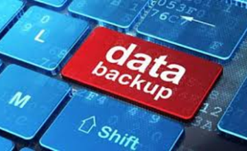 """A keyboard with the words """"Data backup"""""""